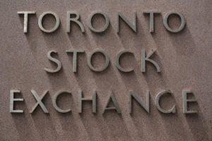 CANADA STOCKS-Energy stocks push TSX higher