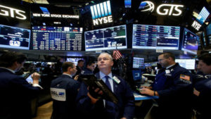 Trade hopes lift Wall Street; SP 500 notches best quarter since 2009